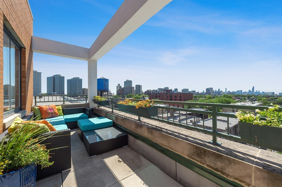 Real Estate Photography - 3631 N Halsted Street #512, Chicago, IL, 60613 - Roof Deck