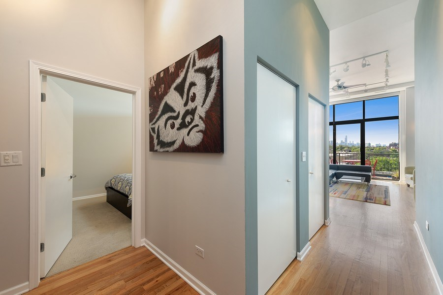 Real Estate Photography - 3631 N Halsted Street #512, Chicago, IL, 60613 - Foyer