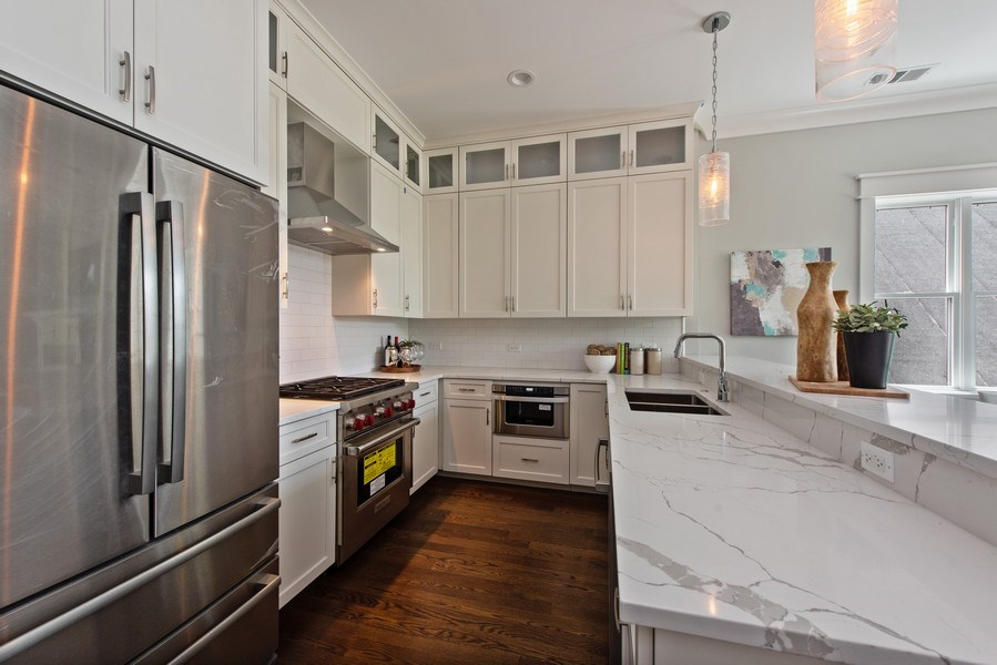 Real Estate Photography - 3813 N Kenmore, Unit 3N, Chicago, IL, 60618 - Kitchen