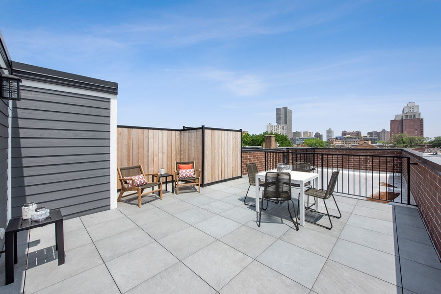 Real Estate Photography - 3813 N Kenmore, Unit 3N, Chicago, IL, 60618 - Roof Deck