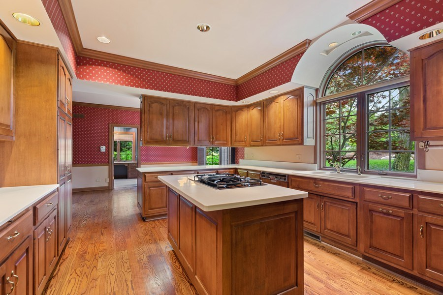 Real Estate Photography - 203 Burr Ridge Club, Burr Ridge, IL, 60527 - Kitchen