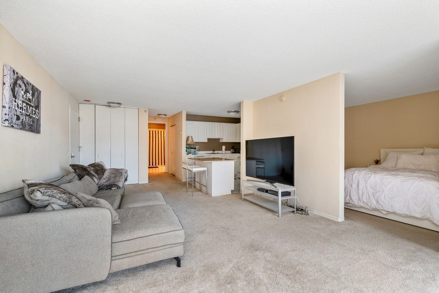Real Estate Photography - 545 Dearborn, Unit W1606, Chicago, IL, 60654 - Great Room