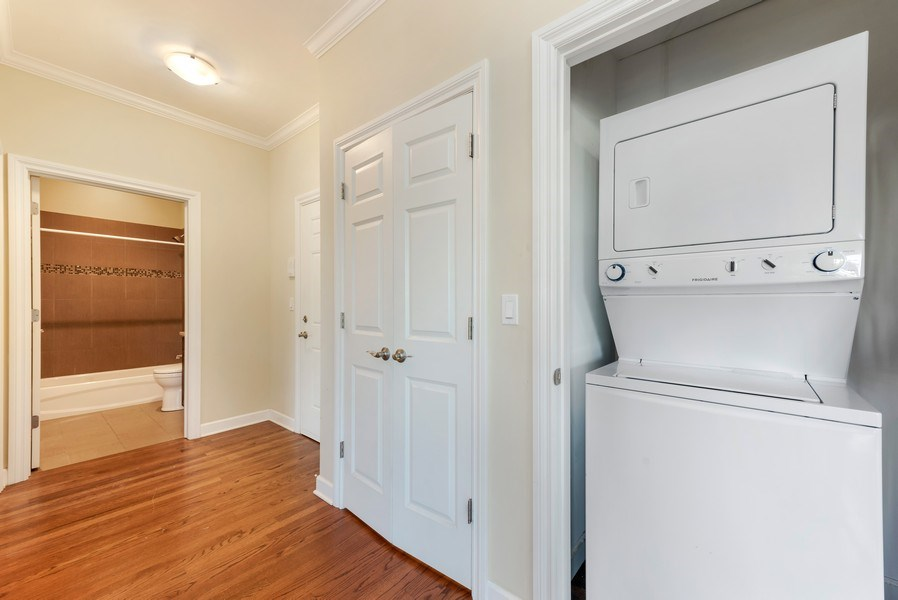 Real Estate Photography - 1625 W Irving Park Rd, Chicago, IL, 60613 - Laundry Room