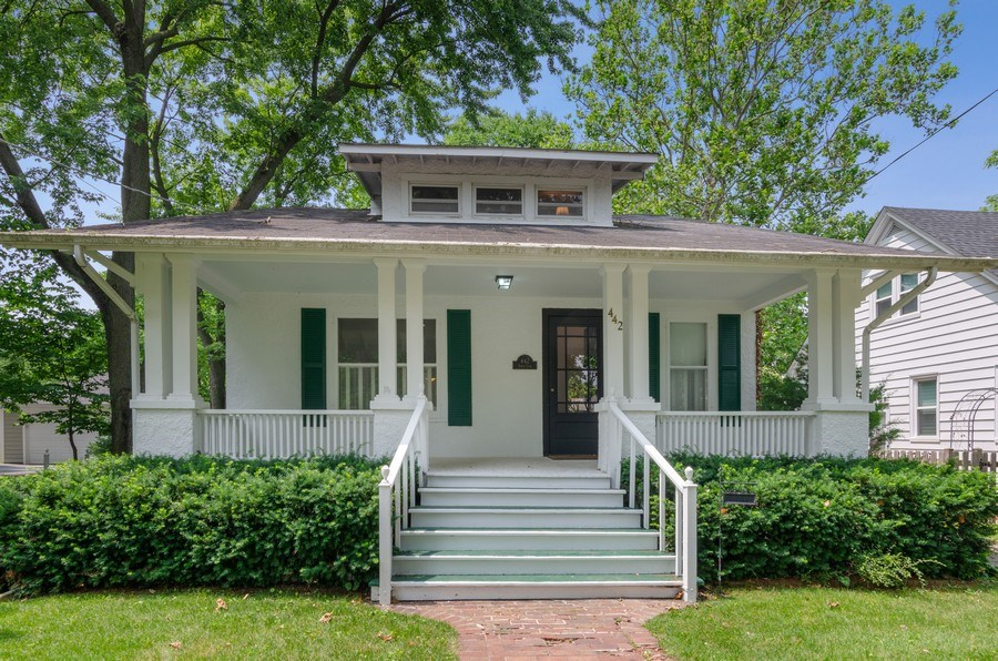 Real Estate Photography - 442 N. Cook St., Barrington, IL, 60010 - Front View