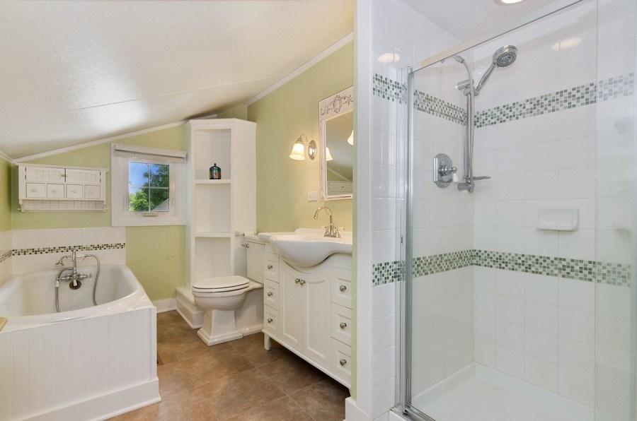 Real Estate Photography - 442 N. Cook St., Barrington, IL, 60010 - Bathroom