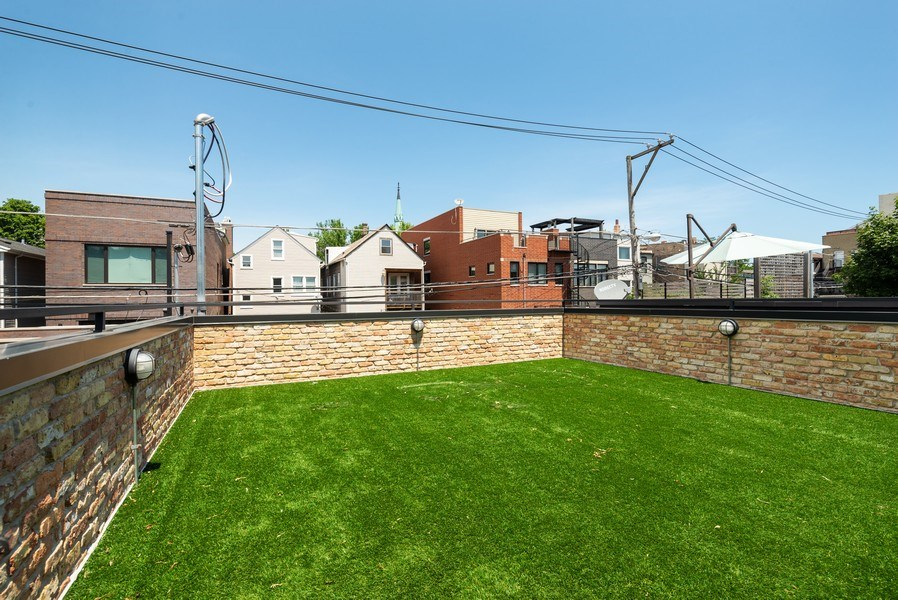 Real Estate Photography - 1428 W Wolfram Street, Chicago, IL, 60657 - Roof Deck