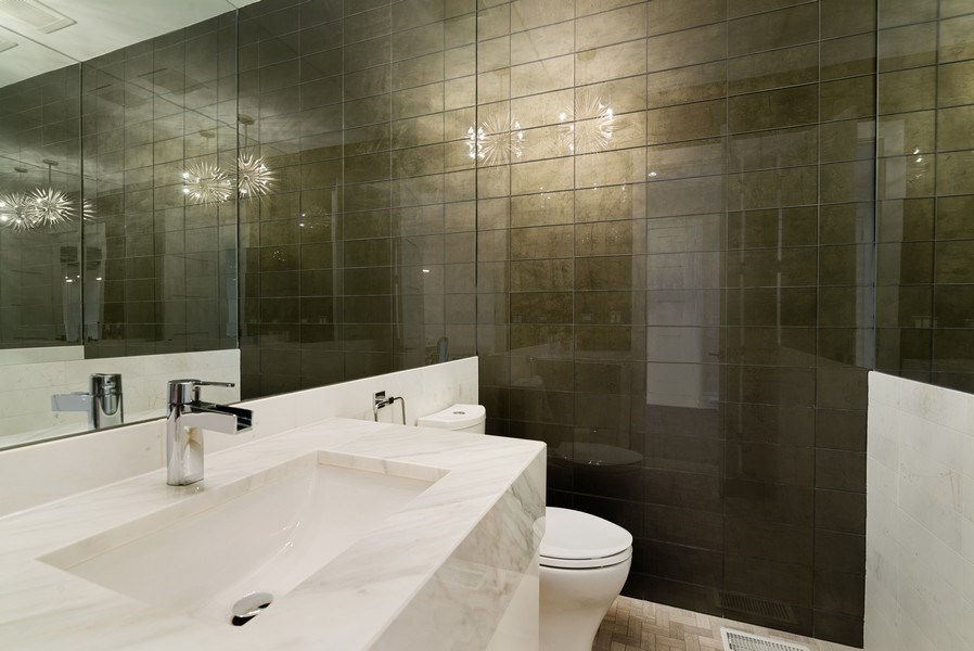 Real Estate Photography - 1428 W Wolfram Street, Chicago, IL, 60657 - 2nd Bathroom