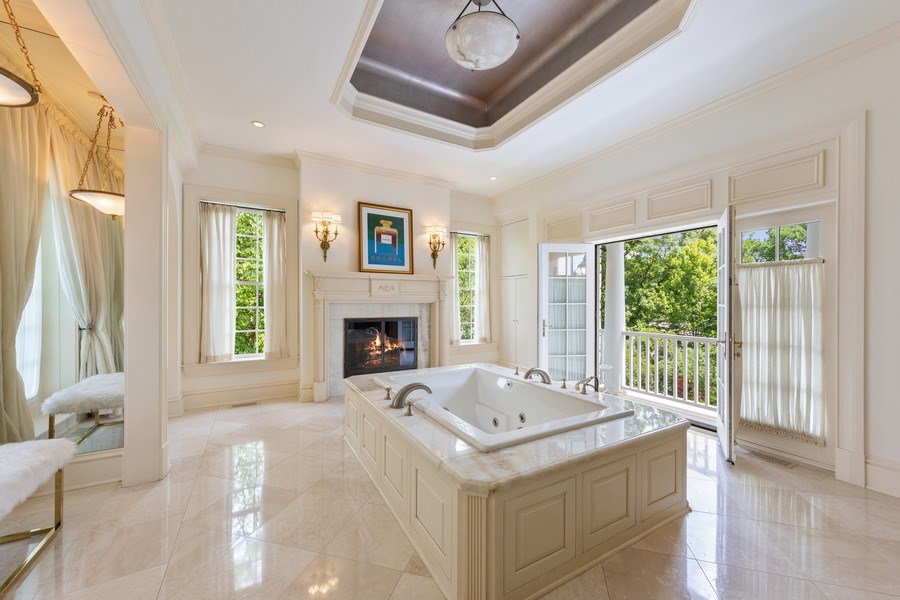 Real Estate Photography - 323 Hillcrest, Hinsdale, IL, 60521 - Master Bathroom