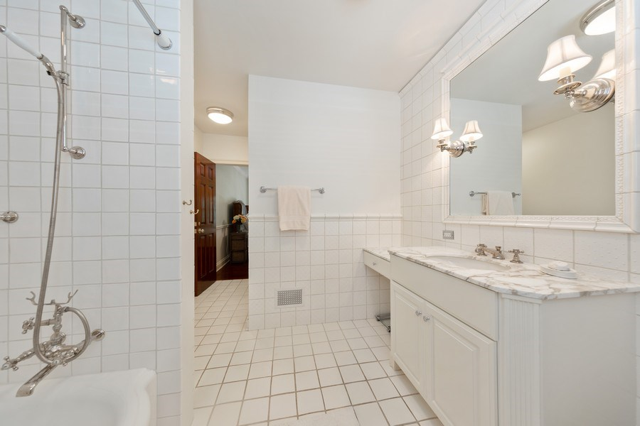 Real Estate Photography - 323 Hillcrest, Hinsdale, IL, 60521 - Bathroom
