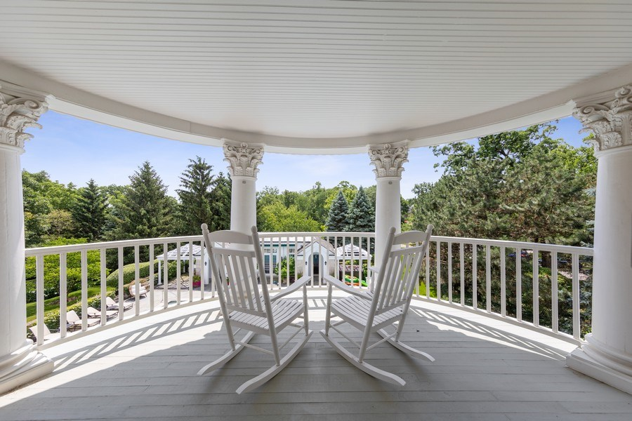 Real Estate Photography - 323 Hillcrest, Hinsdale, IL, 60521 - Balcony