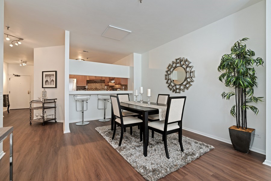Real Estate Photography - 780 S Federal St, Unit 207, Chicago, IL, 60605 - Dining Room