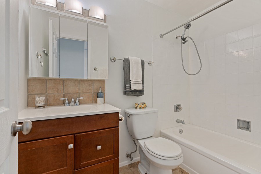 Real Estate Photography - 780 S Federal St, Unit 207, Chicago, IL, 60605 - Bathroom