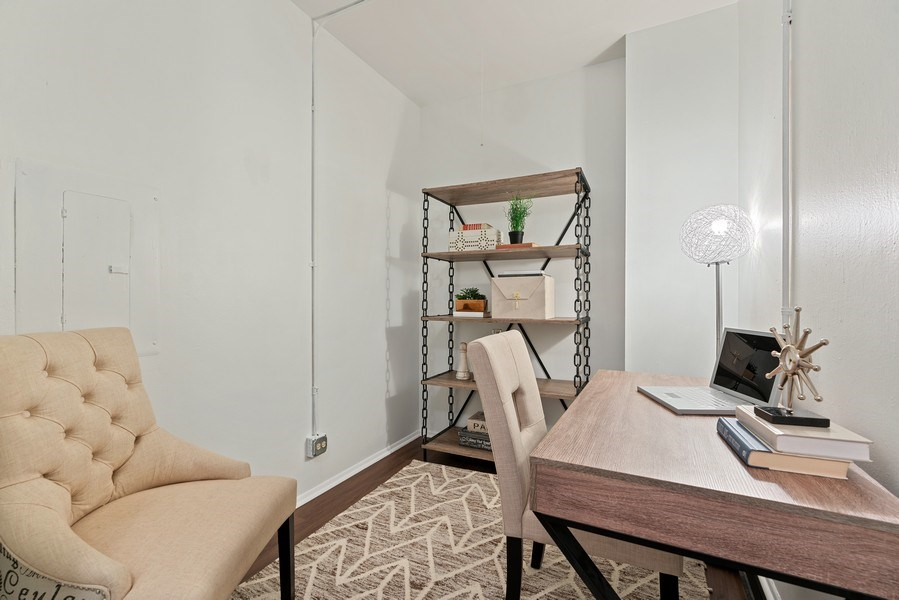 Real Estate Photography - 780 S Federal St, Unit 207, Chicago, IL, 60605 - Den