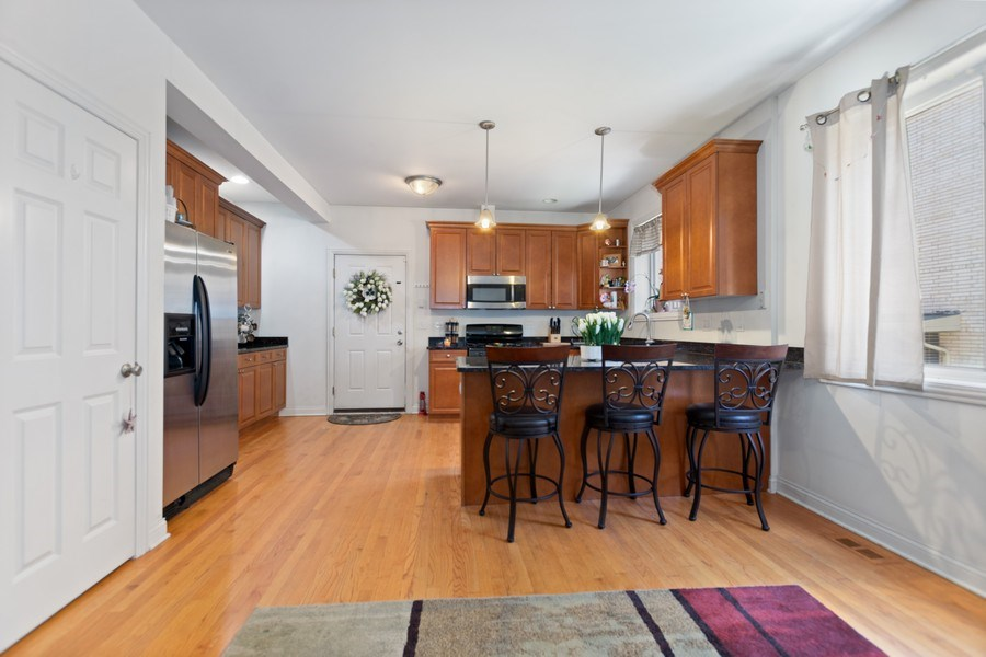 Real Estate Photography - 10447 S Hale Ave, Chicago, IL, 60643 - Kitchen B