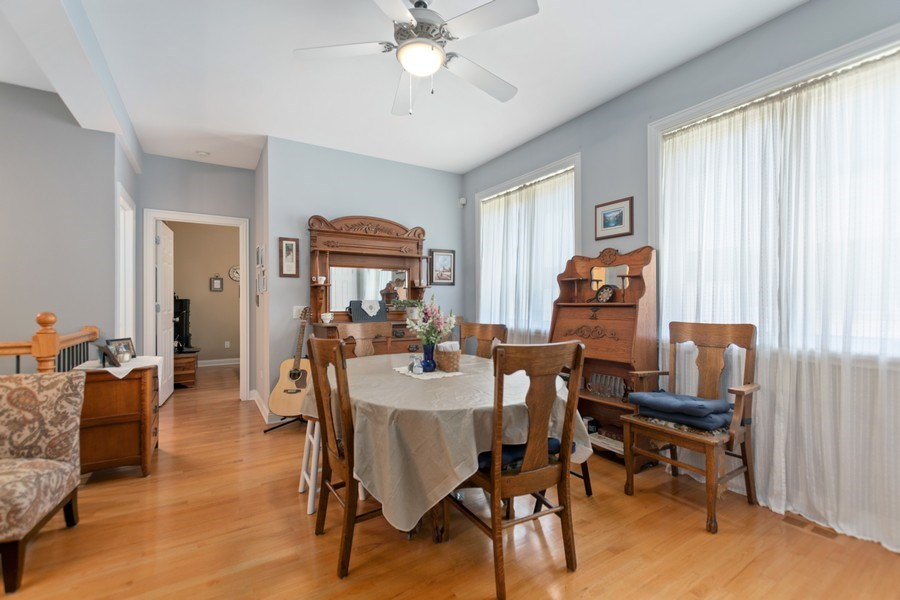 Real Estate Photography - 10447 S Hale Ave, Chicago, IL, 60643 - Dining Room