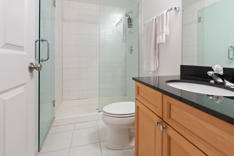 Real Estate Photography - 10447 S Hale Ave, Chicago, IL, 60643 - Bathroom