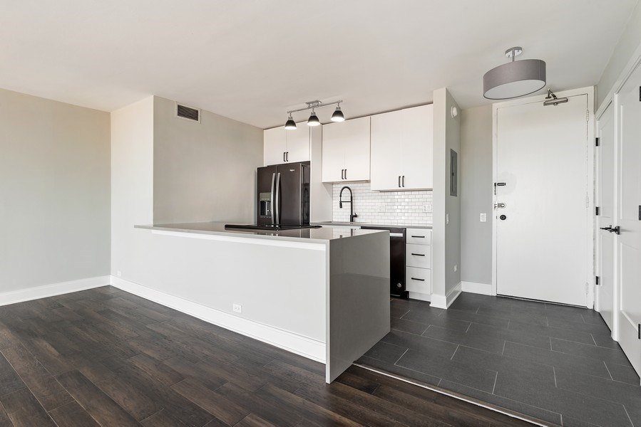 Real Estate Photography - 330 W Diversey, 2508, Chicago, IL, 60657 - Kitchen