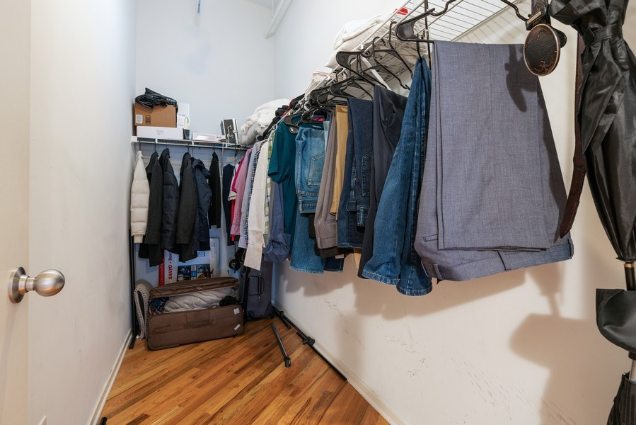 Real Estate Photography - 500 S Clinton St , Chicago, IL 60607, Chicago, IL, 60605 - Closet