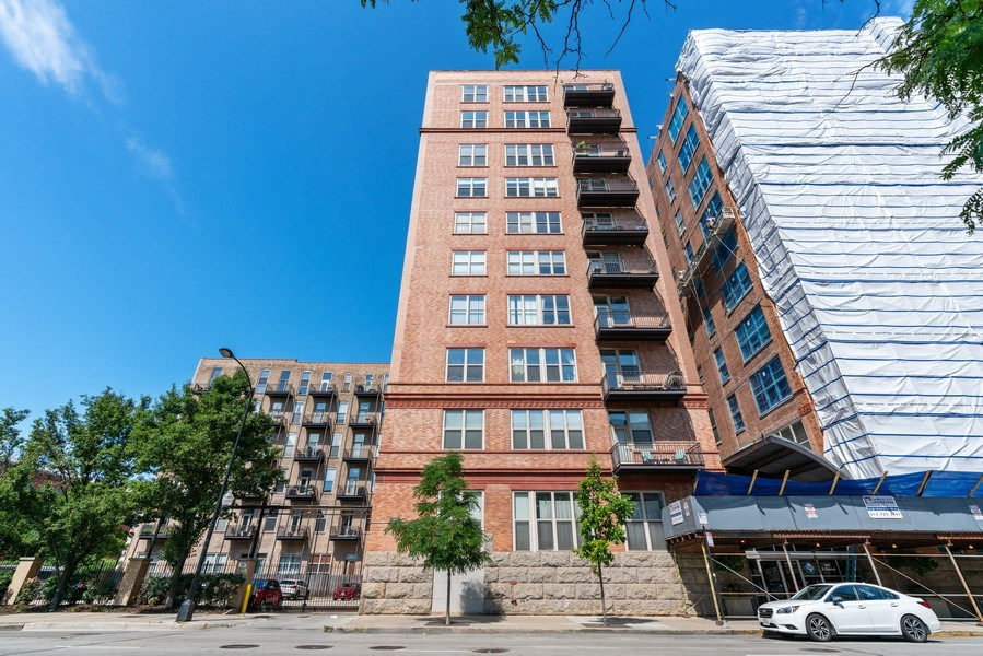 Real Estate Photography - 500 S Clinton St , Chicago, IL 60607, Chicago, IL, 60605 - Front View