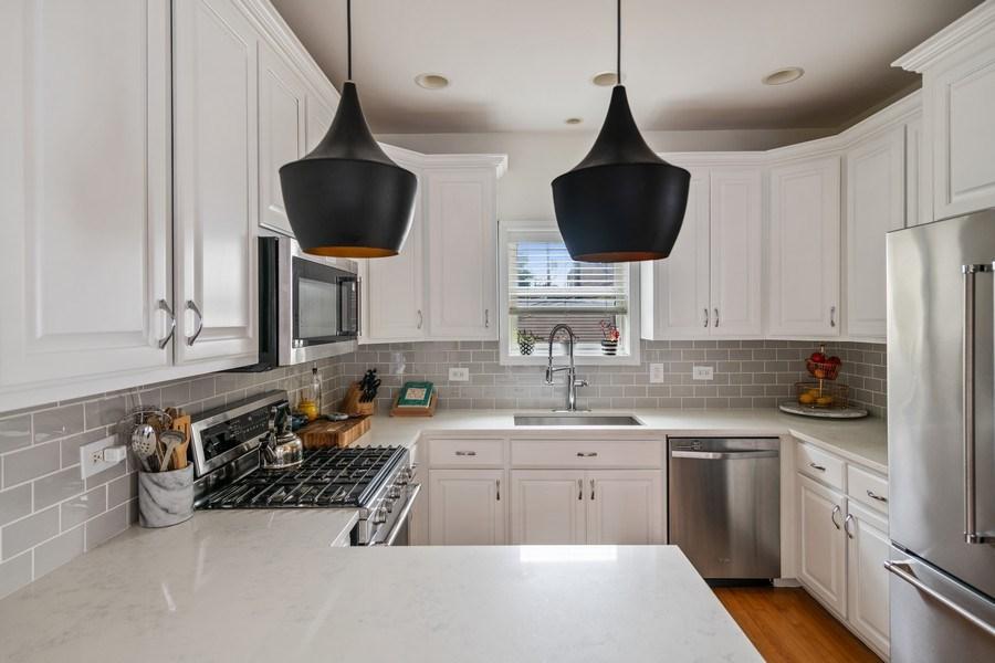 Real Estate Photography - 1217 N Hoyne Unit E, Chicago, IL, 60622 - Kitchen