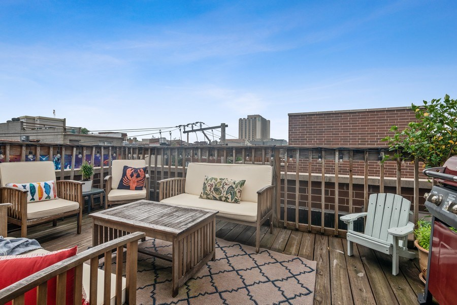 Real Estate Photography - 1217 N Hoyne Unit E, Chicago, IL, 60622 - Roof Deck