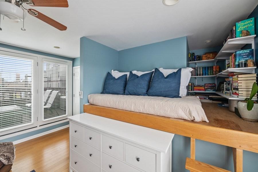 Real Estate Photography - 1217 N Hoyne Unit E, Chicago, IL, 60622 - Den