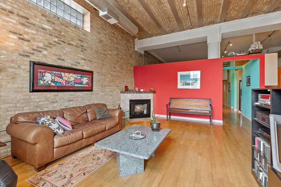 Real Estate Photography - 2101 W Rice, Unit 208, Chicago, IL, 60622 - Living Room