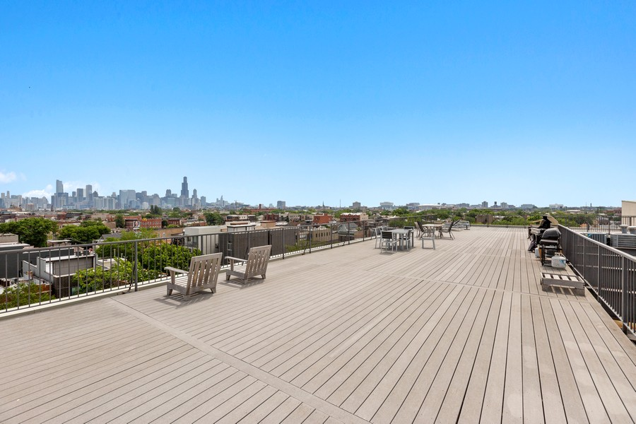 Real Estate Photography - 2101 W Rice, Unit 208, Chicago, IL, 60622 - Roof Deck