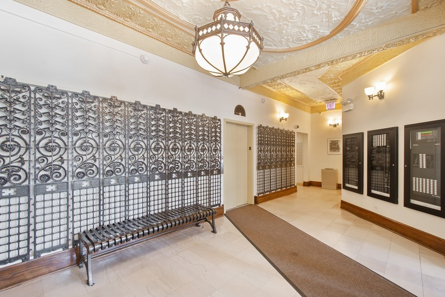 Real Estate Photography - 431 S Dearborn St, 808, chicago, IL, 60605 - Lobby