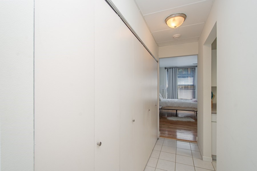 Real Estate Photography - 431 S Dearborn St, 808, chicago, IL, 60605 - Hallway