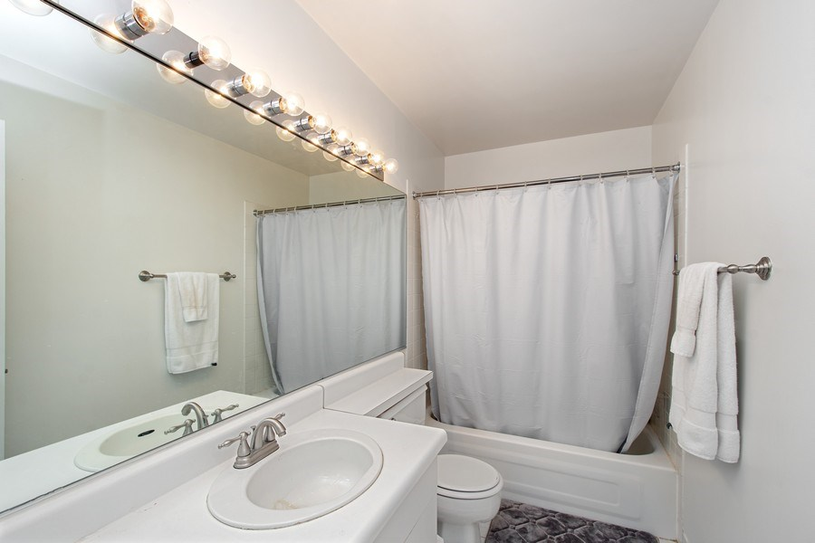 Real Estate Photography - 431 S Dearborn St, 808, chicago, IL, 60605 - Bathroom