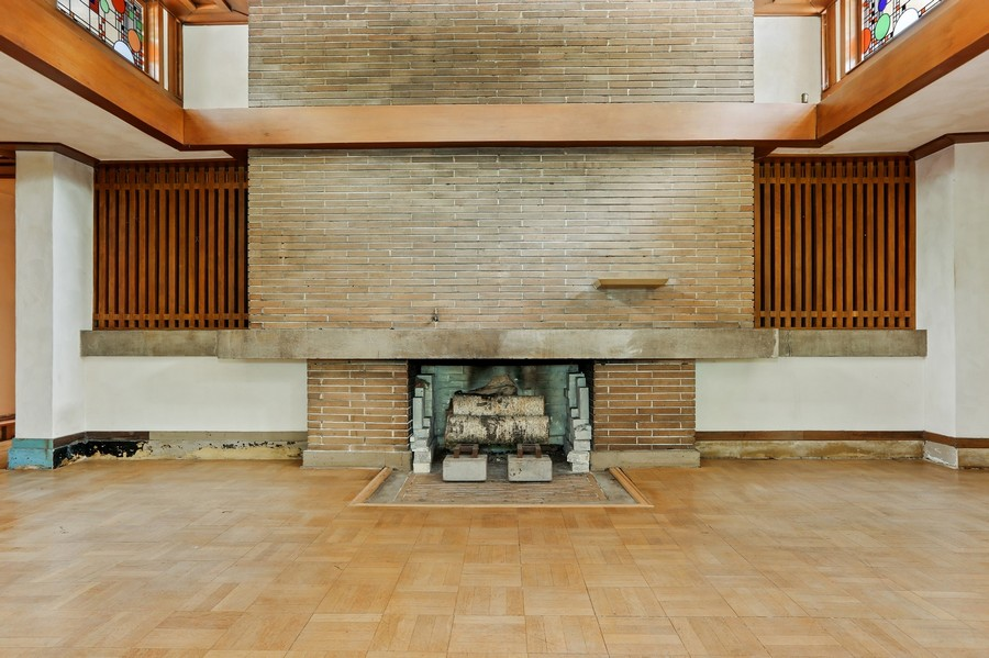 Real Estate Photography - 350 Fairbank Rd., Riverside, IL, 60546 - Living Room Fireplace