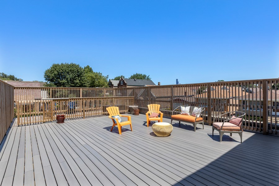 Real Estate Photography - 1160 W 31st St, Chicago, IL, 60608 - Rooftop Deck