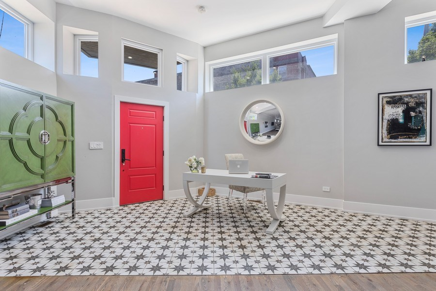 Real Estate Photography - 1160 W 31st St, Chicago, IL, 60608 - Foyer