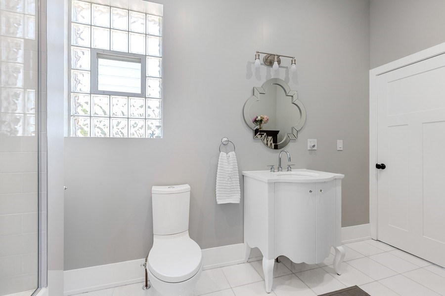Real Estate Photography - 1160 W 31st St, Chicago, IL, 60608 - 2nd Bathroom