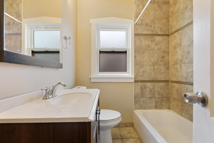 Real Estate Photography - 627 24th Ave, Bellwood, IL, 60104 - Bathroom