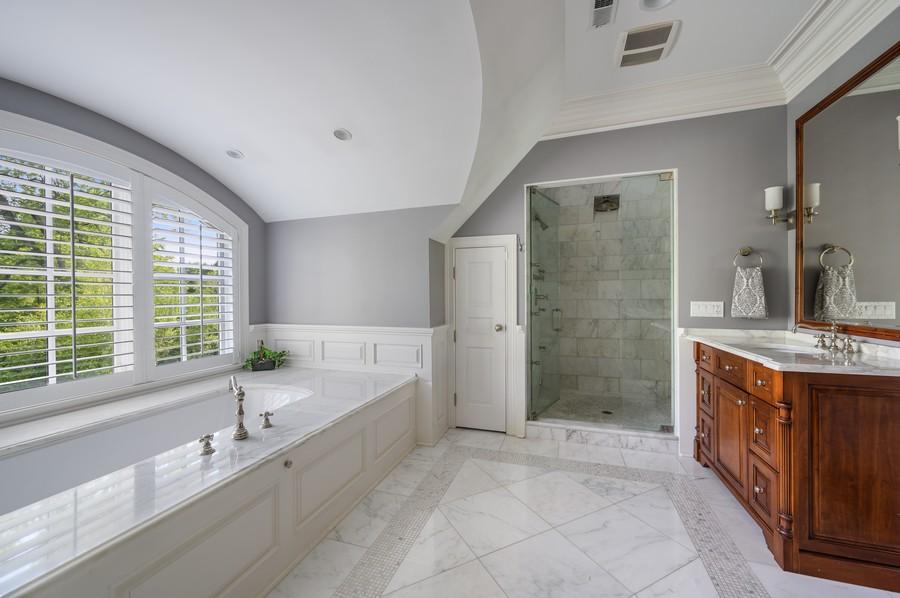Real Estate Photography - 4 Golf Lane, Winnetka, IL, 60093 - Master Bathroom