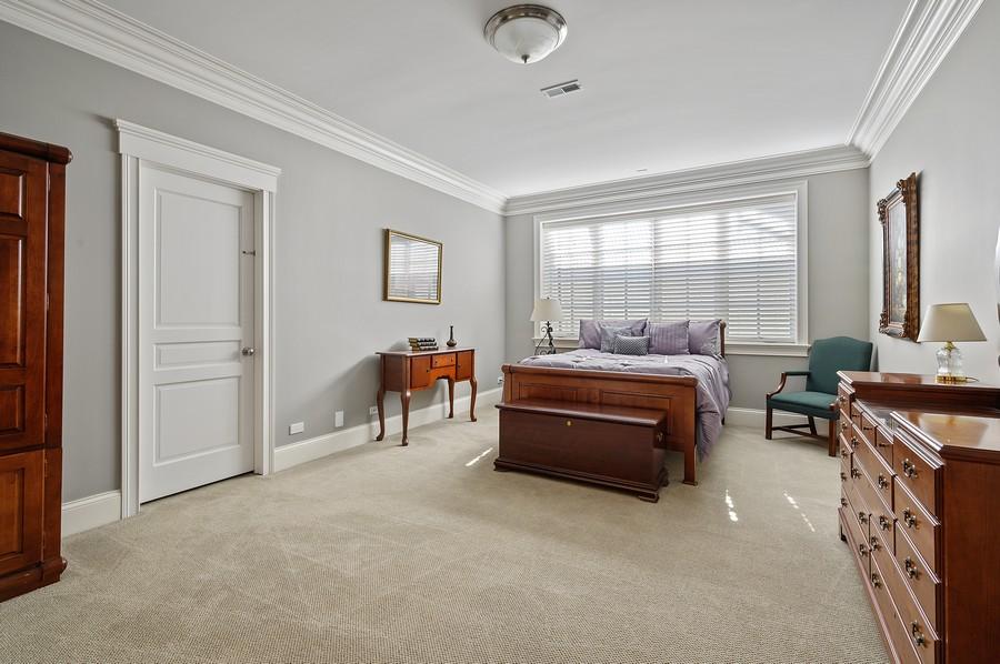 Real Estate Photography - 4 Golf Lane, Winnetka, IL, 60093 - Guest Bedroom