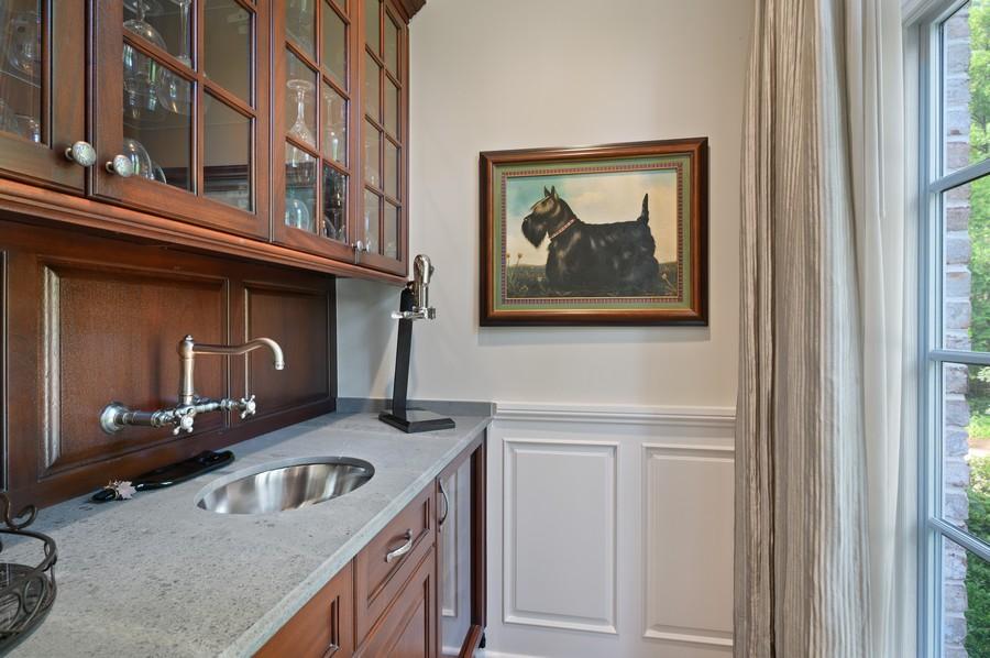 Real Estate Photography - 4 Golf Lane, Winnetka, IL, 60093 - Butler's pantry