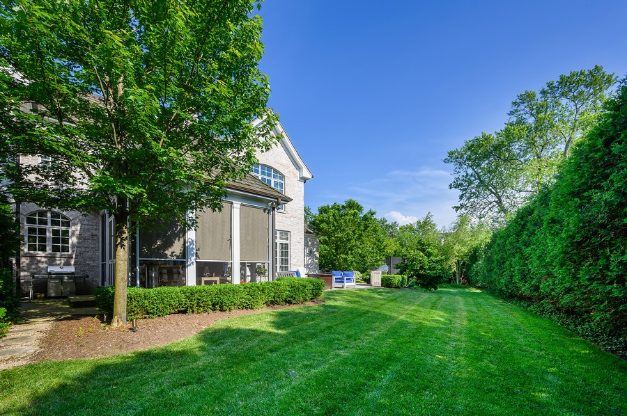 Real Estate Photography - 4 Golf Lane, Winnetka, IL, 60093 - Back Yard