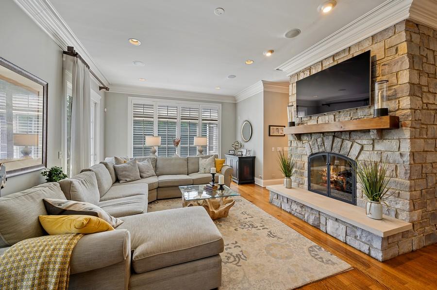 Real Estate Photography - 4 Golf Lane, Winnetka, IL, 60093 - Family Room