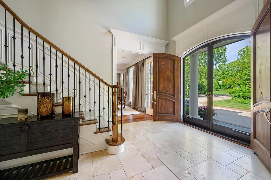 Real Estate Photography - 4 Golf Lane, Winnetka, IL, 60093 - Foyer