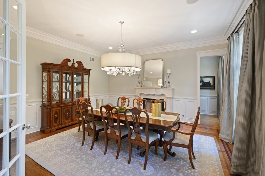 Real Estate Photography - 4 Golf Lane, Winnetka, IL, 60093 - Dining Room