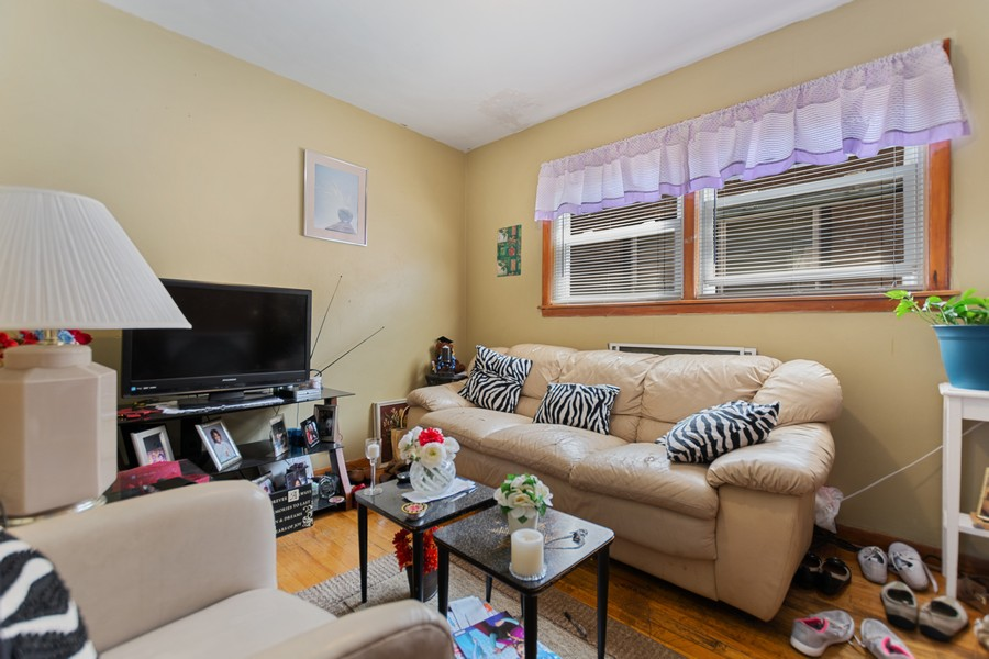 Real Estate Photography - 6500 S BELL AVE, Chicago, IL, 60636 - 2nd Bedroom