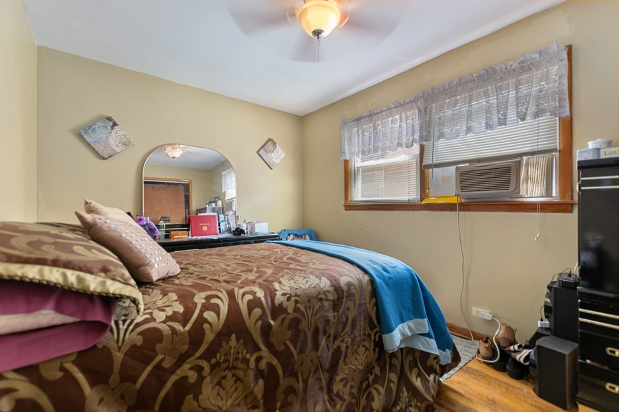 Real Estate Photography - 6500 S BELL AVE, Chicago, IL, 60636 - Bedroom