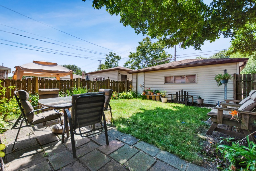 Real Estate Photography - 6500 S BELL AVE, Chicago, IL, 60636 - Back Yard