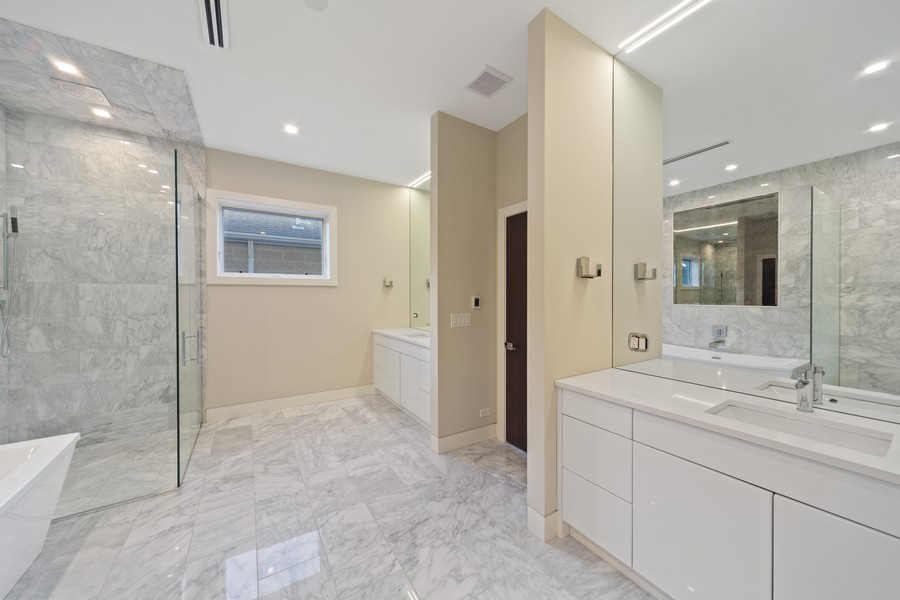 Real Estate Photography - 2136 Lyndale #2, chicago, IL, 60647 - Master Bathroom