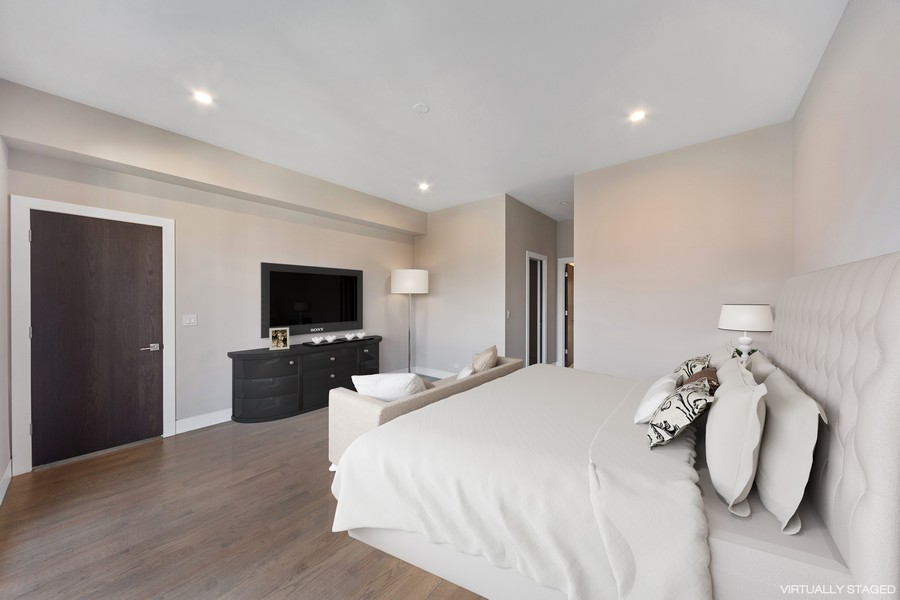 Real Estate Photography - 2136 Lyndale #2, chicago, IL, 60647 - Master Bedroom