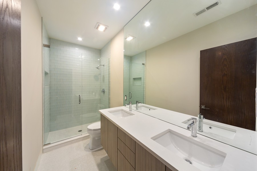 Real Estate Photography - 2136 Lyndale #2, chicago, IL, 60647 - 2nd Bathroom