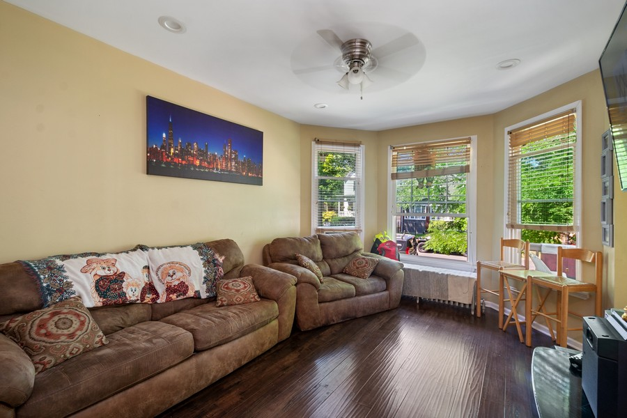 Real Estate Photography - 2711 N Hamlin Avenue, Chicago, IL, 60647 - Unit 1 Living Room